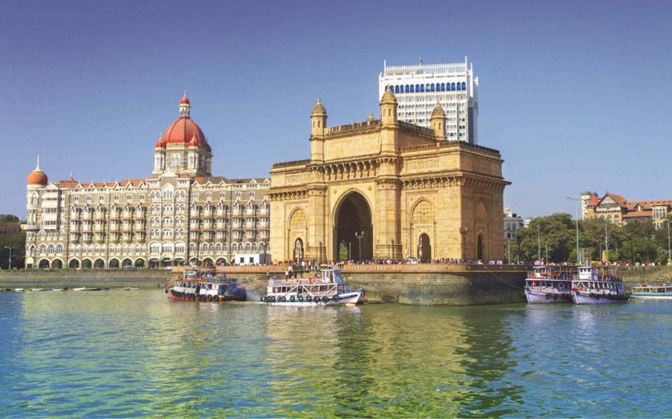 The view of the Gateway of India on a bright sunny day - Marshalls